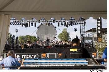 Pour protéger vos oreilles au cours d'un concert, pensez aux bouchons d'oreille en mousse ! © Phovoir