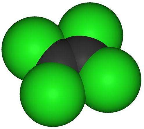 Les vapeurs de perchloroéthylène (C2Cl4) seraient cancérigènes et nocives pour différents organes, à commencer par le système respiratoire et les yeux, mais aussi le système nerveux, les reins et le foie. D'autre part, certains pensent que le solvant pourrait favoriser des pathologies psychiatriques comme la schizophrénie. Il est également toxique pour l'environnement mais est pourtant déversé dans les égouts. © Benjah-bmm27, Wikipédia, DP