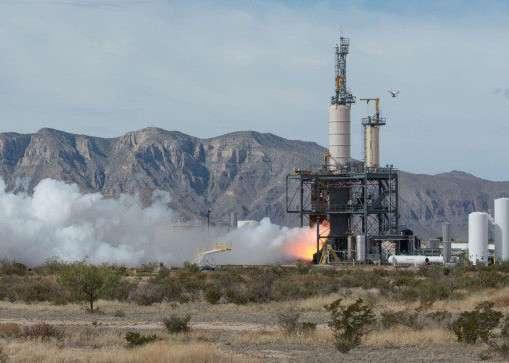 Le moteur BE-4 de Blue Origin pourrait équiper le premier étage du prochain lanceur d'ULA, Vulcan. À l'image, un essai de moteur BE-3 qui équipe le New Shepard. © Blue Origin