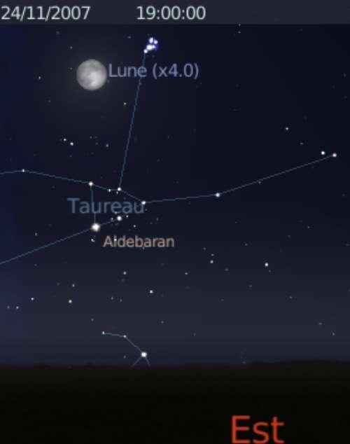 La Lune est en conjonction avec l'amas des Pléiades