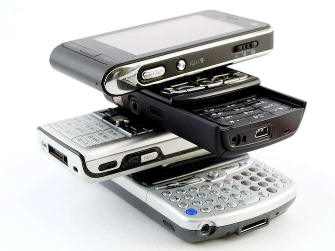 Les ondes électromagnétiques émises par les téléphones portables sont-elles réellement dangereuses pour la santé ? © DR