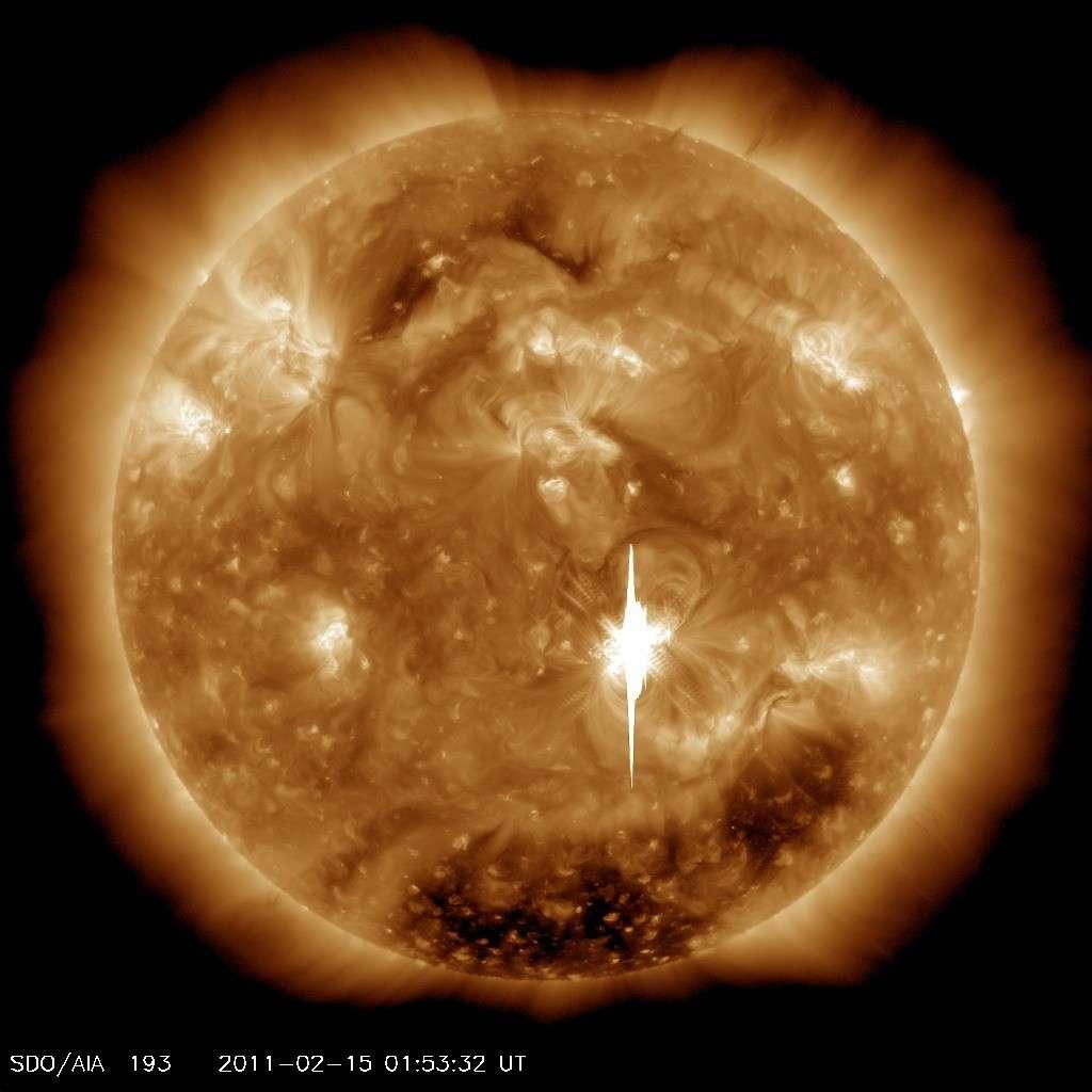 Spectaculaire explosion solaire le 15 février 2011. © Nasa/SDO