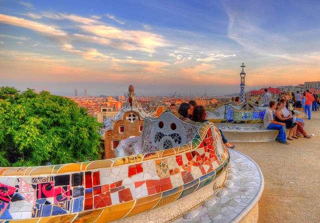 Le parc Güell de Barcelone a été créé par l'architecte catalan Antoni Gaudí. © MorBCN, Flickr, CC by-nc-sa 2.0