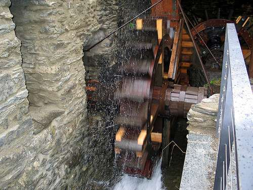 La roue de ce moulin a fourni en énergie la forge de Farga Rossell (Andorre) au cours de la seconde moitié du XIXe siècle. © Raymond355, cc by 2.0