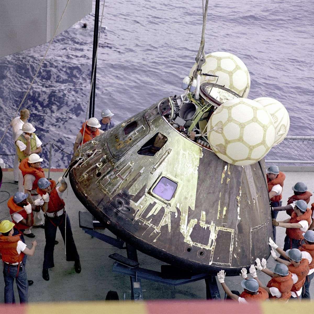 Retour sur Terre pour la capsule d'Apollo 13 après quatre jours de sauvetage dans l'espace. Crédit Nasa