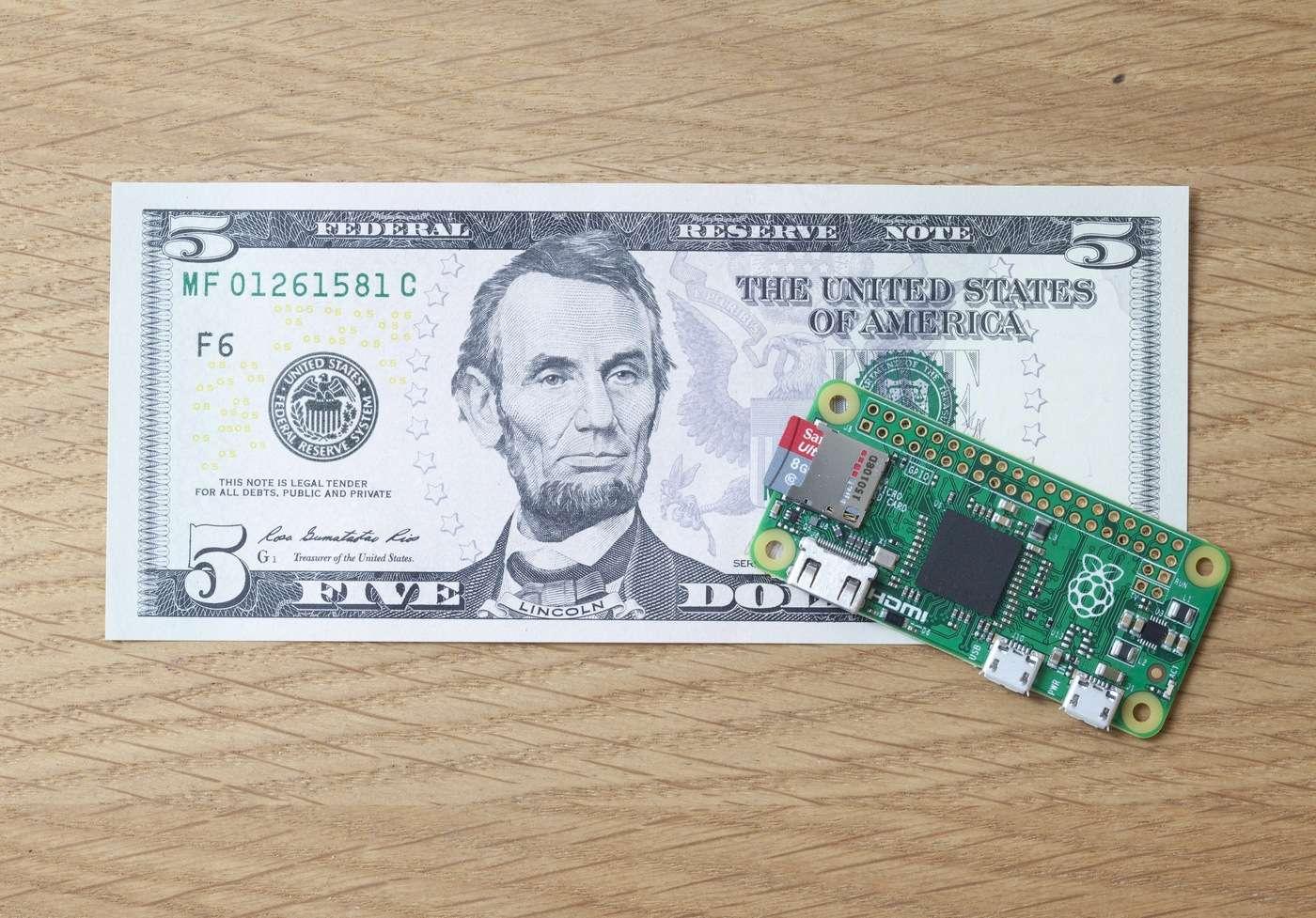 Après les Raspberry Pi 1 et 2, voici le Raspberry Pi Zero qui bat un nouveau record de prix tout en offrant les fonctionnalités d'un véritable ordinateur. © Raspberry Pi