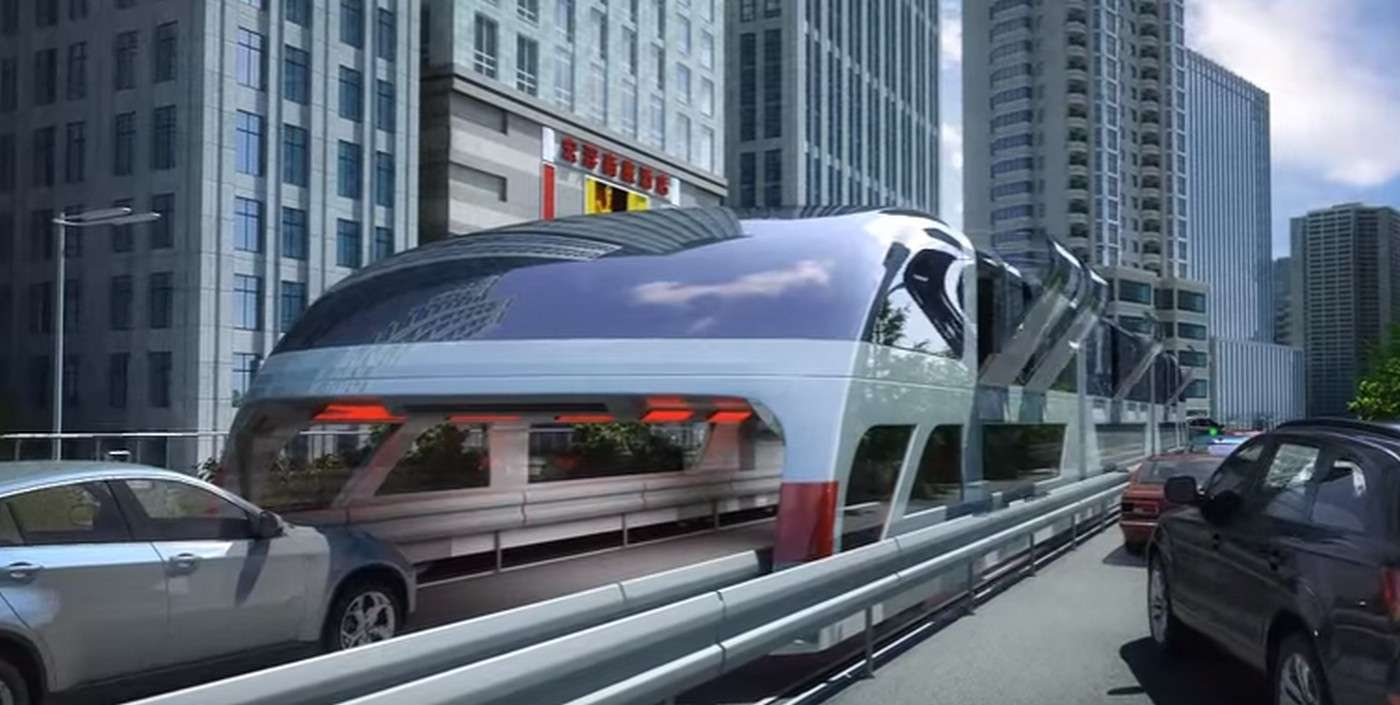 Voici à quoi pourrait ressembler le «bus chevauchant» dont la Chine veut s'équiper pour résoudre ses problèmes de circulation urbaine. Il est suffisamment large et haut pour que les voitures puissent circuler en dessous comme dans un tunnel. Un bus de ce type pourrait transporter jusqu'à 1.400 passagers. © China TBS, YouTube