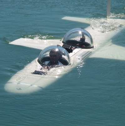 Avec ses allures d'avion, le Super Falcon emmène son pilote et son passager jusqu'à 300 mètres de profondeur. © Deep Flight