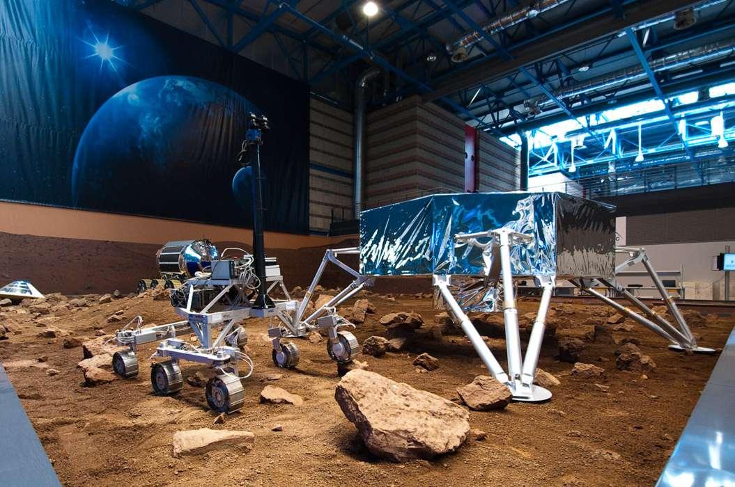 Des 26 équipes en compétition pour remporter un des prix du Google Lunar X Prize, celle formée notamment de Thales Alenia Space est une des mieux armées pour y parvenir. À l'image, l'atterrisseur lunaire Amalia qui fera également office d'étage de transfert entre la Terre et la Lune. © R. Decourt, Flashespace