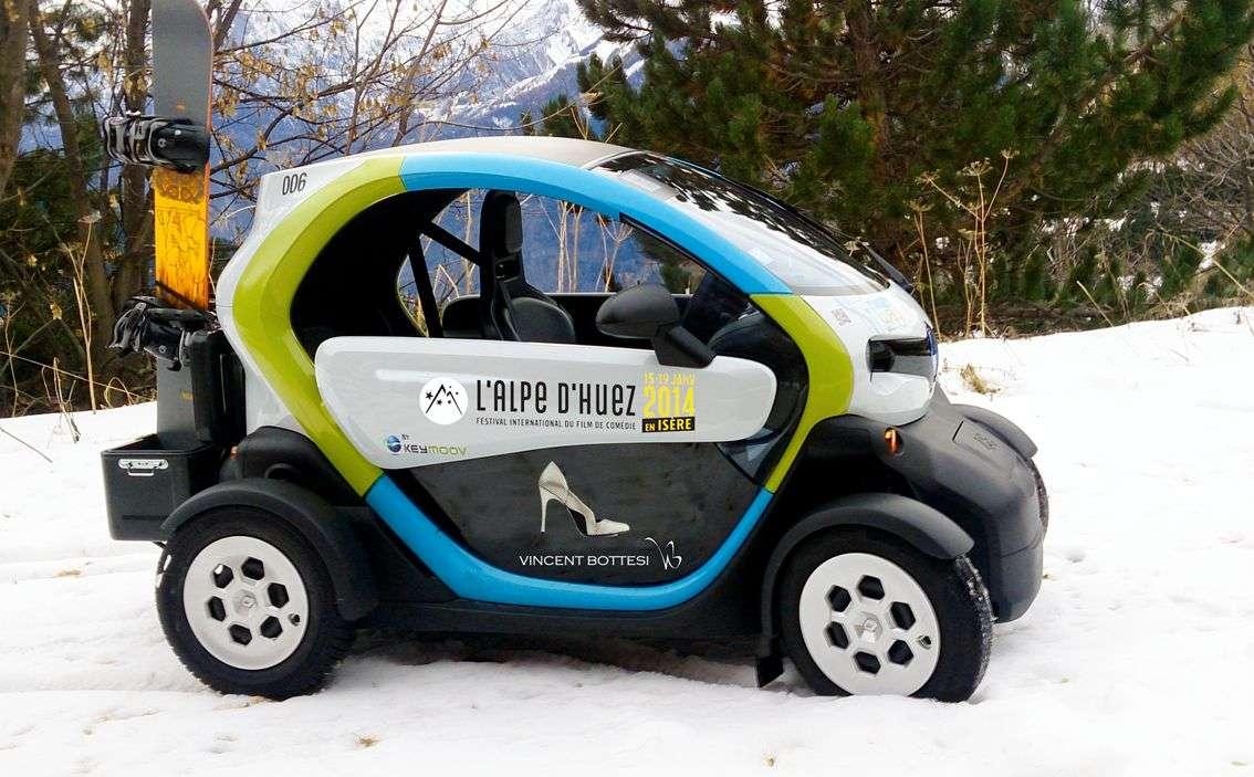 Des Twizy Renault, un peu modifiés, circuleront bientôt, en autopartage, à l'Alpe d'Huez proposera dès cet hiver le système d'autopartage I-Moov, avec les véhicules électriques Twizy. © Tous droits réservés