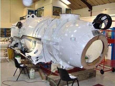 Le sous-marin de poche en cours de construction. Crédit : Ministère de la Défense britannique.