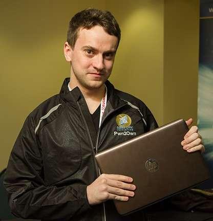George Hotz, alias GeoHot, est une célébrité dans la communauté des hackers. Il s'est distingué en réalisant le premier jailbreak de l'iPhone, puis s'est retrouvé dans le collimateur de Sony Computer Entertainment pour avoir déverrouillé une PlayStation 3 afin d'y installer des logiciels tiers. Il a participé au concours Pwnium organisé par Google, où il a gagné 150.000 dollars pour un exploit zero day sur Chrome OS. © Pwn2Own, HP