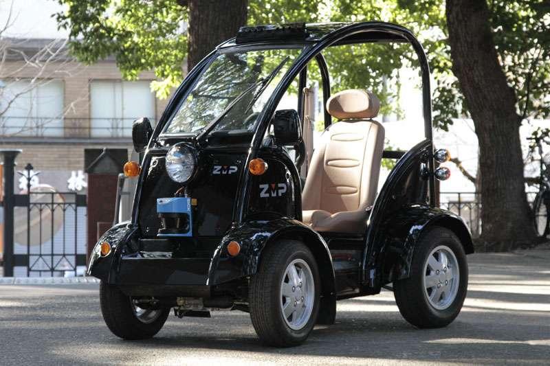 La RoboCar MEV, de ZMP : une voiture du futur déjà en vente. Elle est entièrement automatique. © ZMP