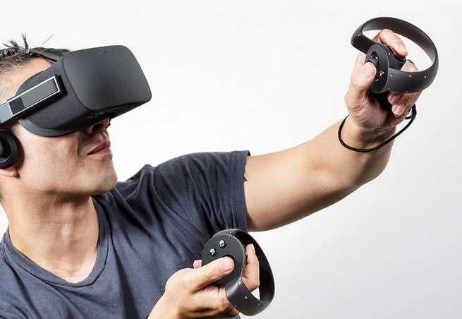 Oculus VR, la société rachetée par Facebook, doit lancer son très attendu casque de réalité virtuelle début 2016. Le jeu vidéo et le cinéma seront les deux fers de lance pour promouvoir cette technologie auprès du grand public. © Oculus VR