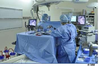 L'ablation d'une tumeur du poumon peut se réaliser sans ouvrir le thorax. © IMM