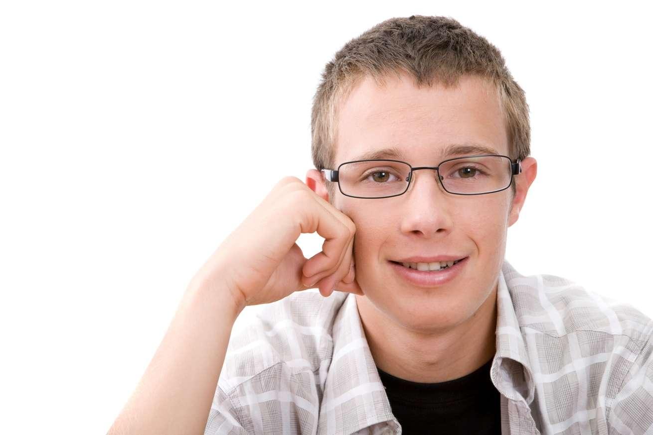 La puberté chez l'Homme marque la transition entre l'enfance et l'adolescence. C'est la période charnière de la vie où le corps change, mais l'esprit aussi. C'est le fameux « âge bête ». © Netris, StockFreeImages.com