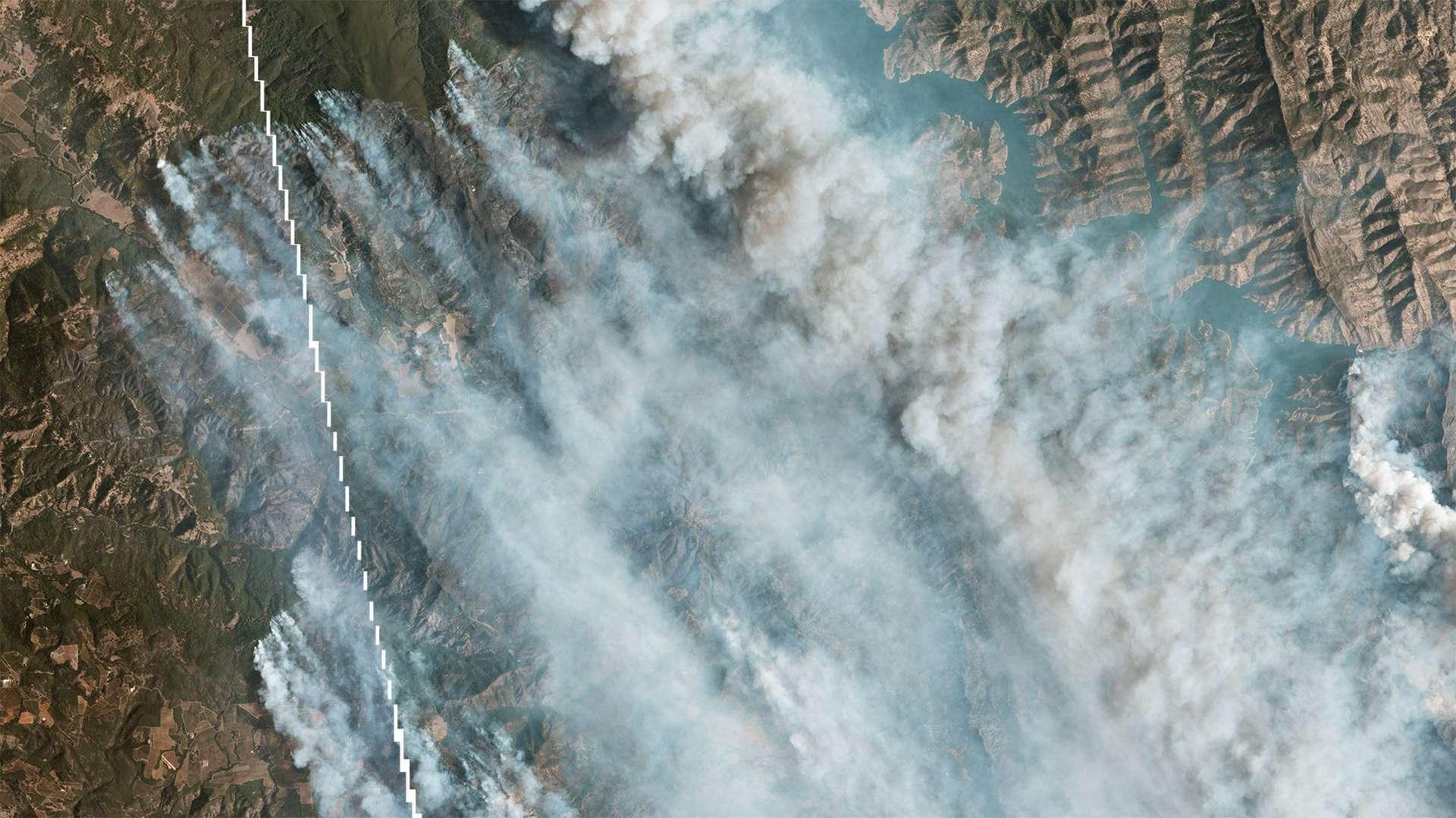 LNU Lightning Complex Fire désigne une série d'incendies touchant le nord de San Francisco dans la région de Sonoma-Lake-Napa. © 2020 Planet Labs, Inc.