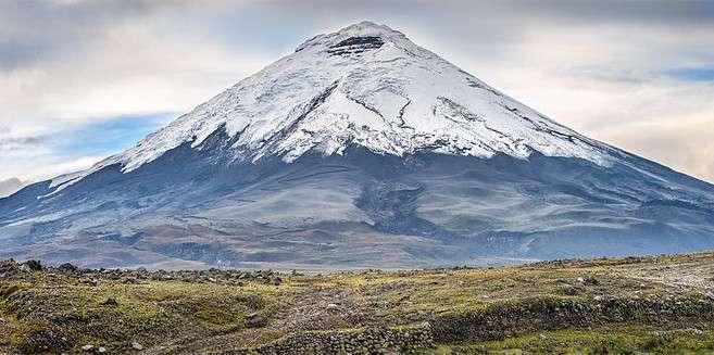 Situé au sud de la capitale Quito, en Équateur, le volcan Cotopaxi culmine à 5.897 mètres. © Simon Matzinger, Wikimedia Commons, CC by-sa 3.0