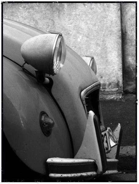Si l'on intégrait un moteur d'aujourd'hui dans une 2 CV de l'époque, on obtiendrait la voiture la plus économique en énergie. Les voitures d'aujourd'hui, malgré des moteurs plus performants, sont alourdies par trop d'éléments de confort. © janicks.over-blog.com