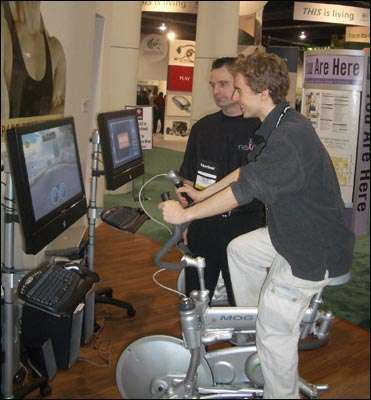 L'ExerGame Fitness Bike, présenté en 2005 par neXfit Technologies Inc., capable de faire fonctionner une console de jeux. © neXfit Technologies Inc.