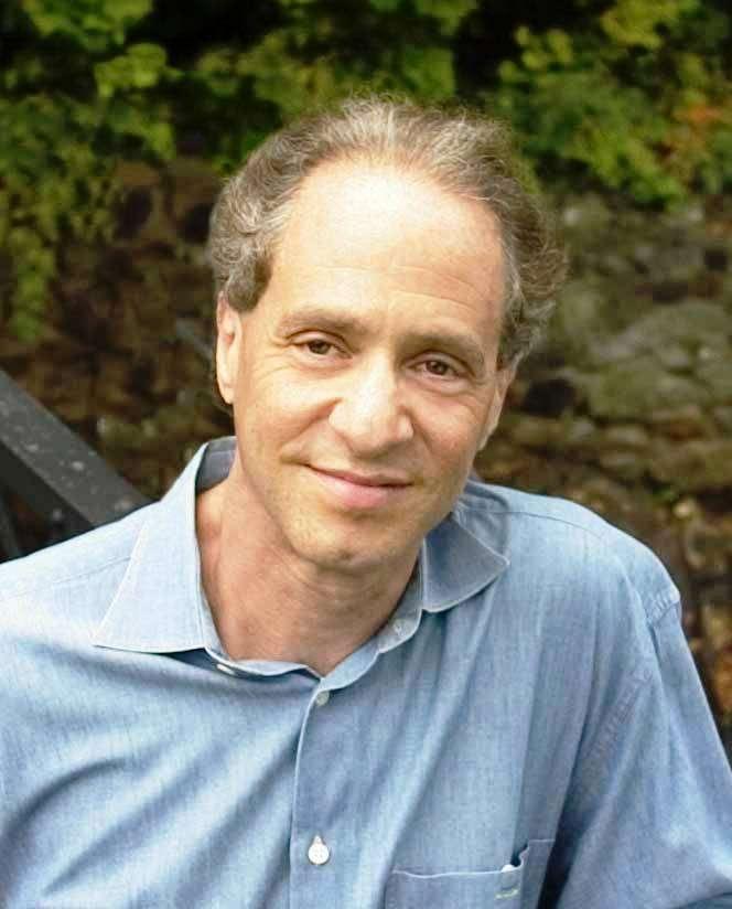 L'inventeur et futuriste Raymond Kurzweil prédit la venue de la singularité technologique. Larry Page, le fondateur de Google, vient de l'engager comme directeur de l'ingénierie. © Wikipédia