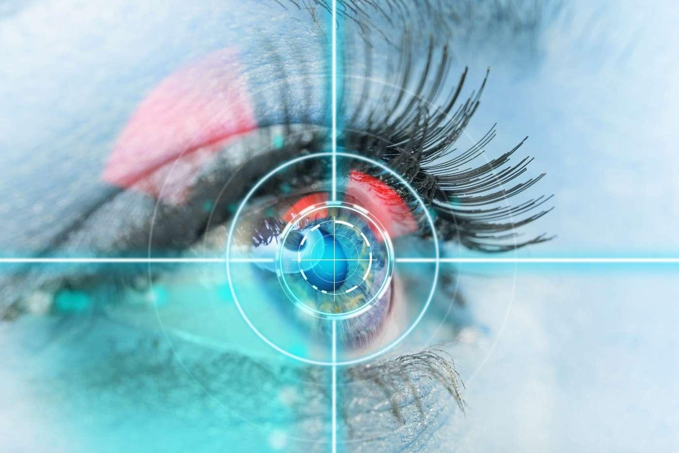 Les lentilles de contact font l'objet de nombreux travaux de recherche qui visent à y intégrer des capteurs médicaux ou des systèmes d'affichage. Beaucoup de progrès ont été accomplis en laboratoire mais aucun prototype fonctionnel n'a encore été testé sur l'Homme. © Lukas Gojda, Shutterstock