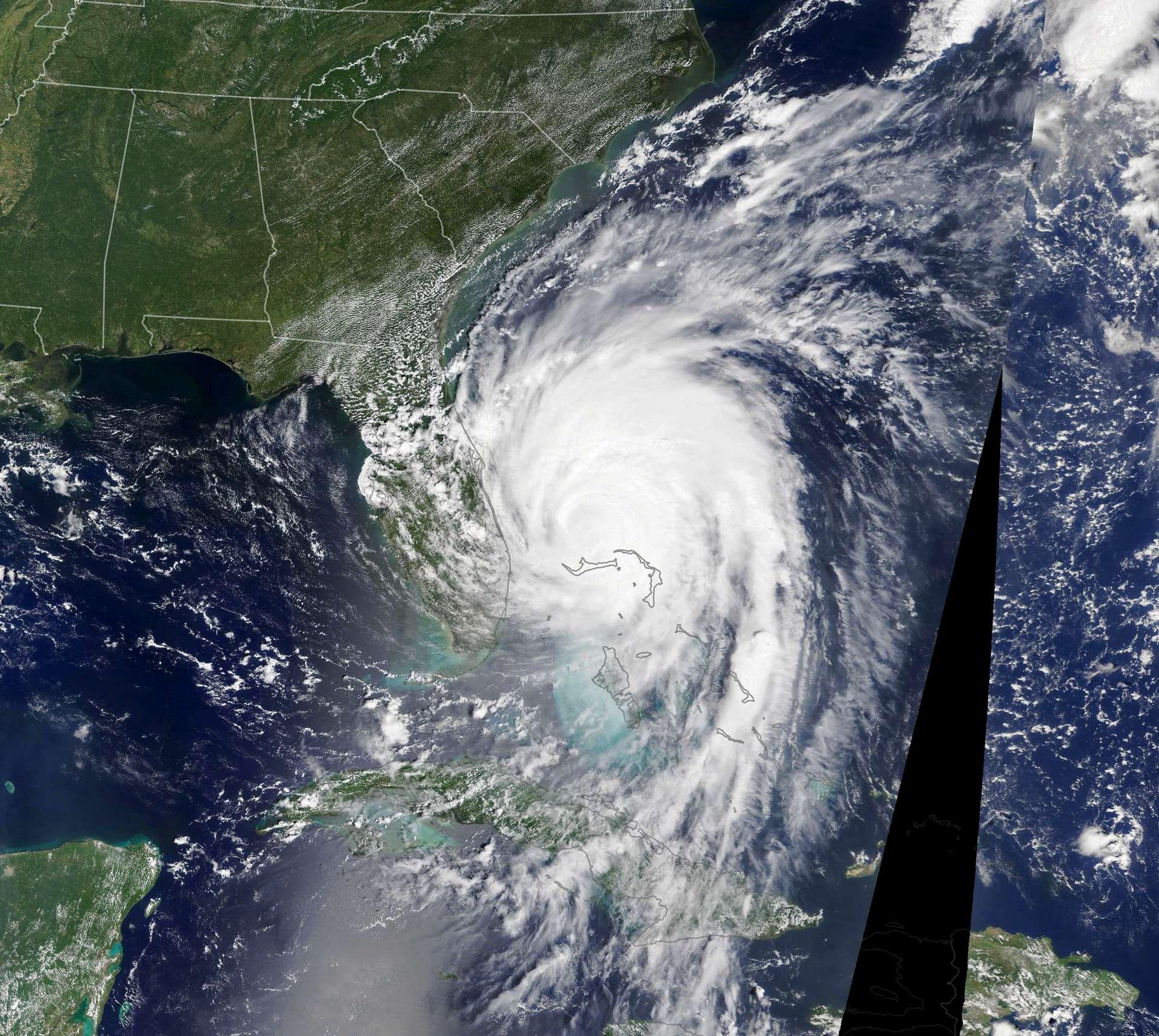 Après avoir dévasté les Bahamas, l'ouragan Dorian arrive à proximité de la Floride le 3 septembre 2019. © Nasa Earth Observatory