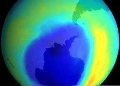 Le trou dans la couche d'ozone en septembre 2008, plus étendue que l'année précédente à la même date. Crédit OMM
