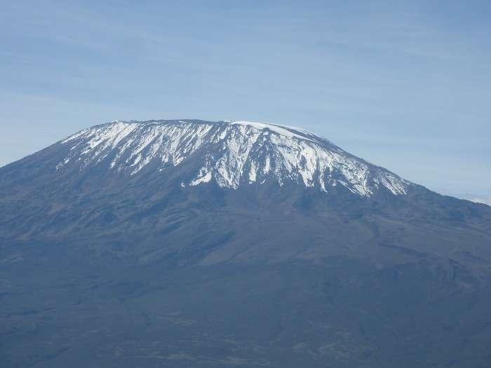 Internet est désormais présent et utilisé un peu partout sur la planète. Des liaisons par satellite (par exemple celles de Ka-Sat) permettent la réception loin des cités. Ici le Kilimandjaro. © Christiène Brancier/Futura-Sciences