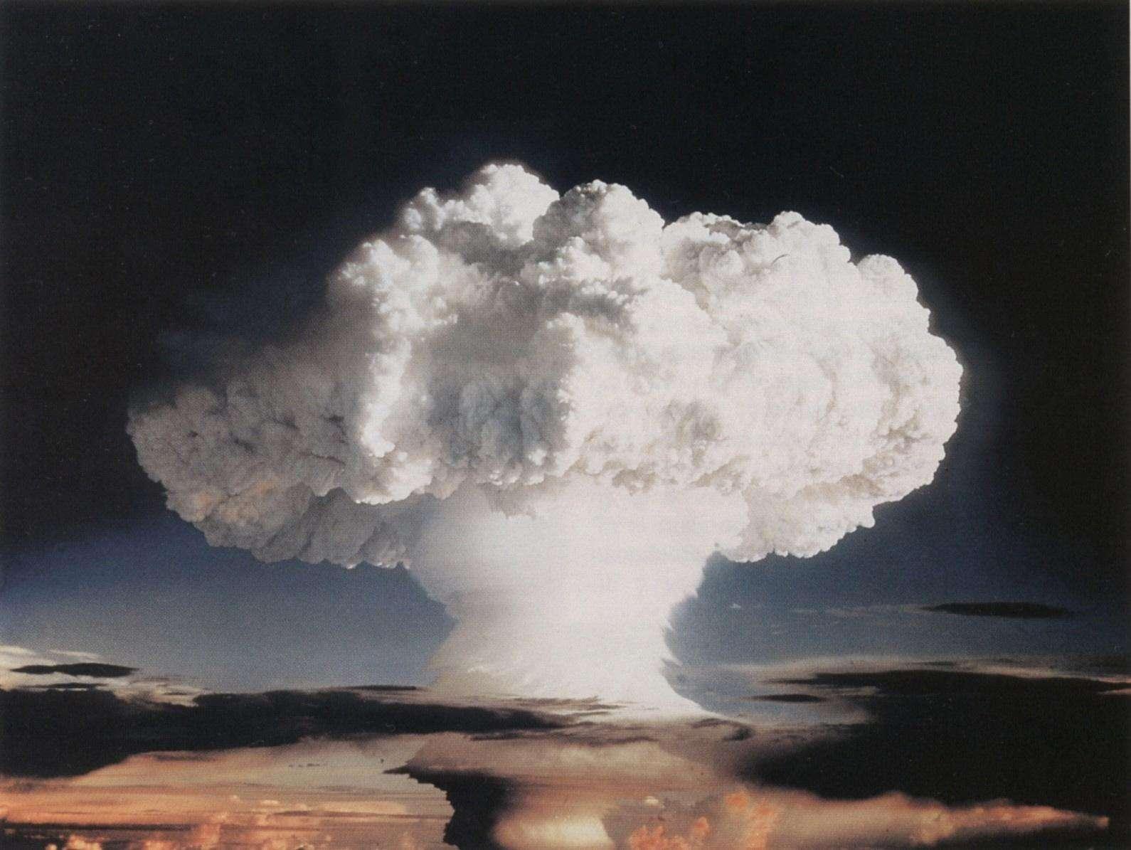 L'einsteinium a été identifié lors de l'analyse des débris dus à l'explosion de la première bombe H de l'histoire. © The Official CTBTO Photostream, Flickr, CC by 2.0