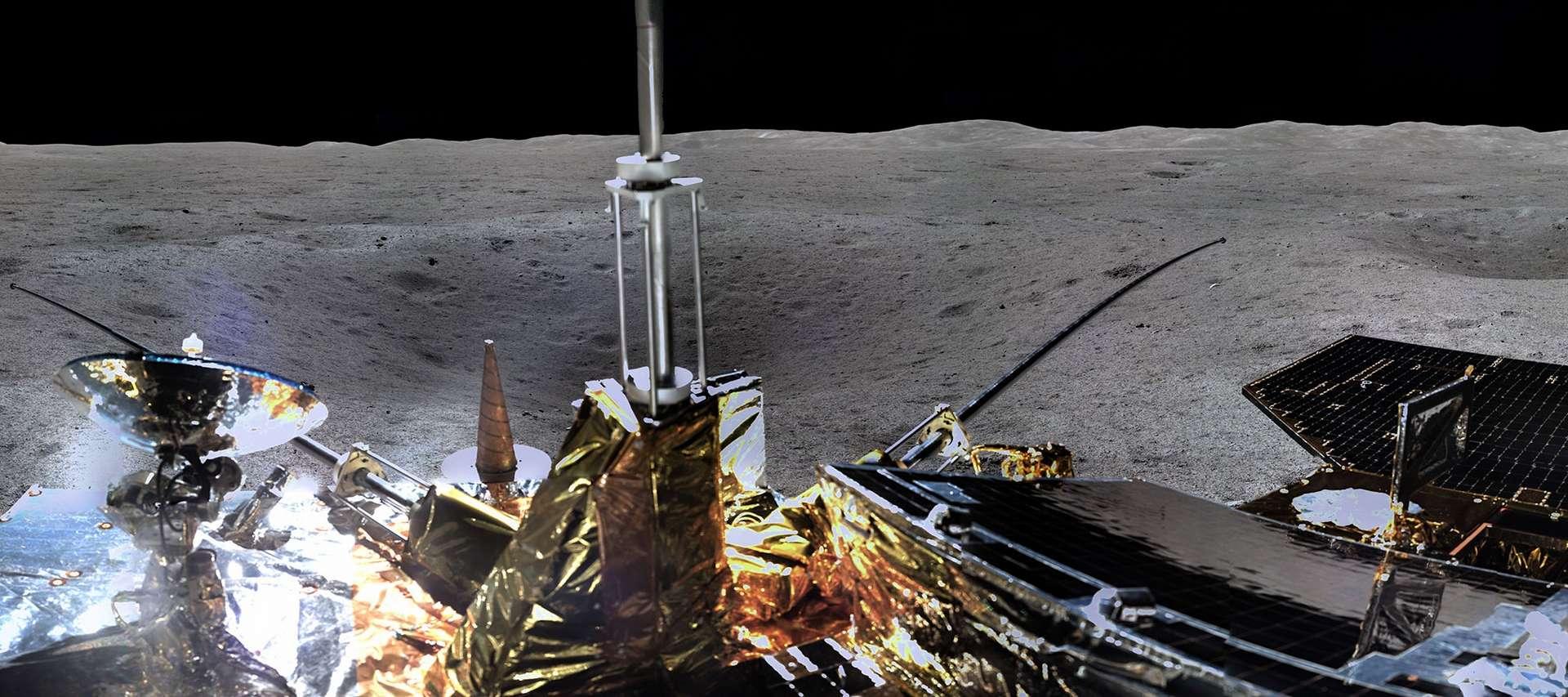 L'atterrisseur et le rover de la sonde chinoise Chang'e 4 viennent de se réveiller au terme de leur première nuit passée sur la face cachée de la Lune, survivant à des températures extrêmes. © CNSA