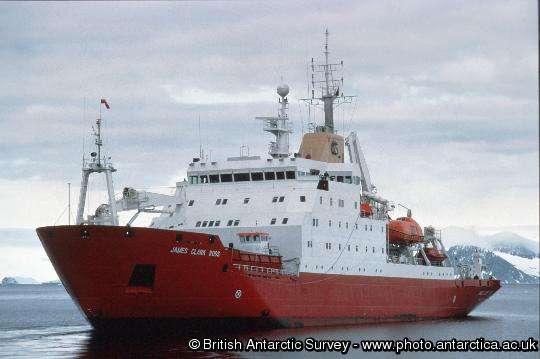 Le James Clark Ross en mission dans l'océan Arctique. © w