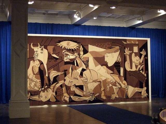 L'un des plus célèbres tableaux de Pablo Picasso, Guernica, illustre un épisode sanglant de la guerre civile en Espagne. © ceridwen, Wikimedia Commons, cc by sa 2.0