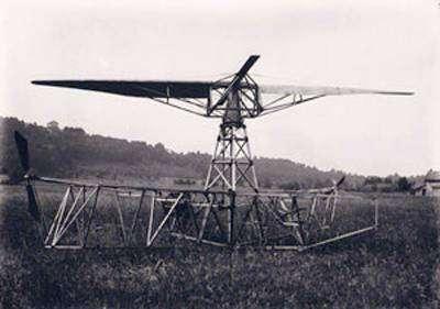 Etienne Oehmichen et son hélicoptère. Image d'époque.