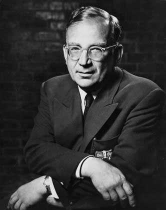 George Gamow est surtout connu comme le père de la théorie du Big Bang avec Georges Lemaître. Mais le physicien s'est aussi intéressé à l'ADN et au code génétique où intervient l'effet tunnel en chimie quantique. © Regents of the University of Colorado