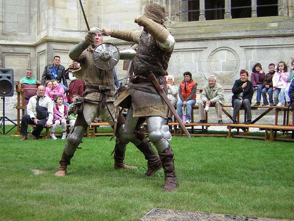 Démonstration de combat lors de la fête de Jeanne d'Arc à Orléans. La ville fut libérée par la jeune femme le 8 mai 1429. © Wikimedia Commons, cc by sa 3.0