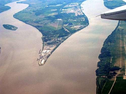 Une eau saumâtre peut apparaître dans un estuaire, comme l'estuaire de la Gironde. © Flikr, marycesyl, Creative Commons