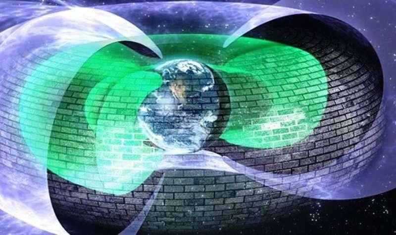 Une vue d'artiste de la barrière impénétrable située sur le bord interne de la ceinture externe de radiations de Van Allen. Elle bloque les électrons ultrarelativistes qui se déplacent à une fraction notable de la vitesse de la lumière et les empêche de s'approcher à moins de 11.000 km de la Terre. © Regents of the University of Colorado
