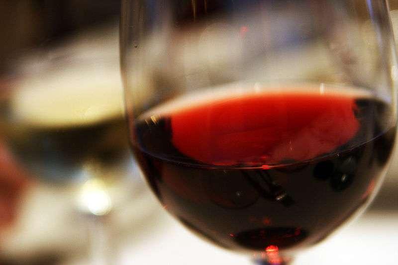 Le vin rouge n'a pas encore révélé tous ses secrets. © Quinn Dombrowski, Licence Creative Commons (by-nc-sa 2.0)