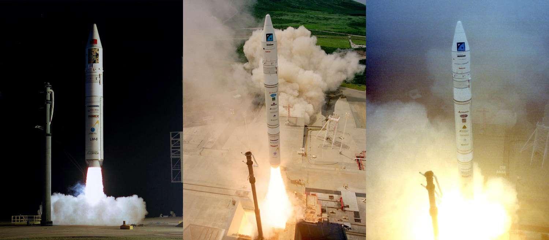 Trois lancements d'une Athena depuis Cap Canaveral. De gauche à droitre Athena 1 (janvier 1999), Athena 2 (avril 1999) et Athena 2 (septembre 1999). Crédit Nasa