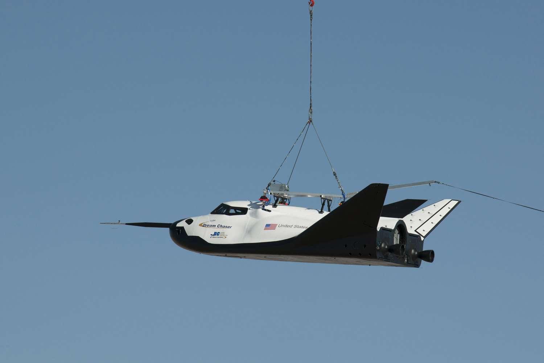 Des trois projets en compétition pour desservir la Station spatiale internationale, le Dream Chaser de Sierra Nevada est celui en lequel la Nasa place le moins d'espoirs. Cela dit, malgré un financement inférieur à ceux octroyés à Boeing et SpaceX, l'engin poursuit son petit bonhomme de chemin... © Nasa