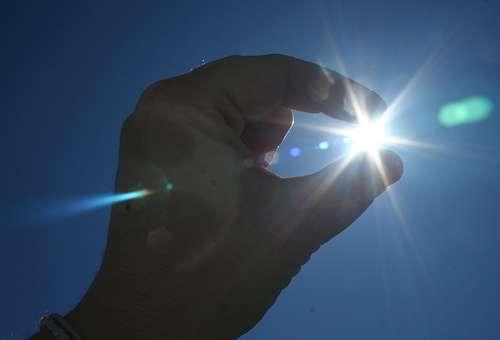Le Soleil représente une source d'énergie inépuisable et présente partout sur Terre, à l'exception de la zone polaire, qui en est privée jusqu'à six mois par an. © onlinewoman, cc by nc sa 2.0