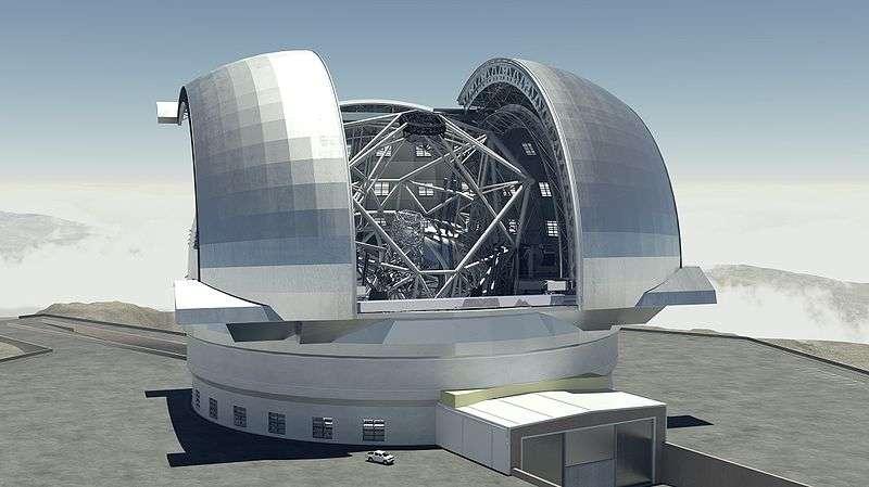 L'European Extremely Large Telescope (E-ELT), ici en vue d'artiste, devrait fixer les étoiles et les galaxies en 2021 depuis le sommet des montagnes du très sec désert d'Atacama, au Chili. © ESO, Wikipédia, cc by 3.0