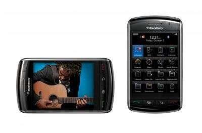 Le Blackberry Storm. Plus petit, moins voyant mais lui permet de téléphoner... © RIM