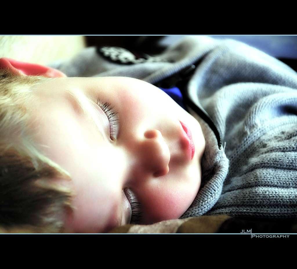 Le sommeil est primordial pour la santé. Chez les enfants, bien dormir pourrait prévenir le risque d'obésité. © JLM Photography, Flickr, cc by nc nd 2.0
