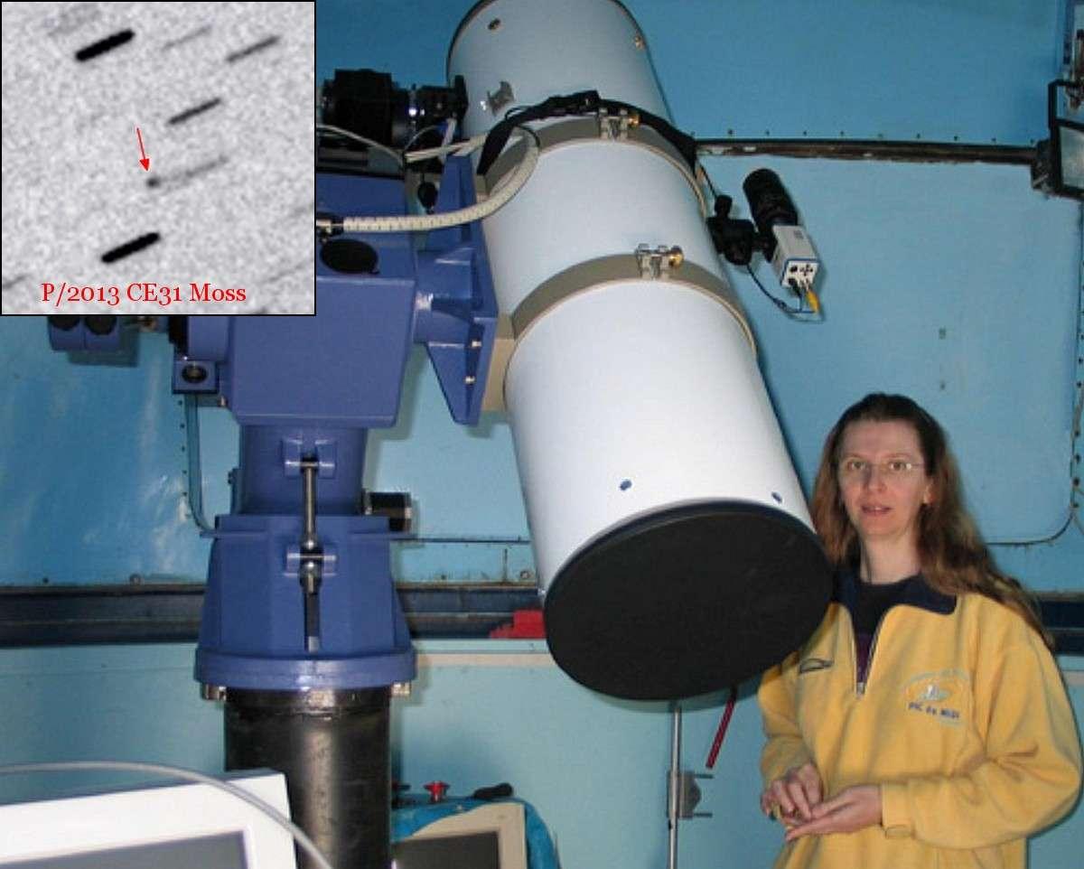 Claudine Rinner pose à côté de l'un de ses télescopes. En médaillon, une image de sa dernière comète, P/2013 CE31 Moss, réalisée par l'astronome amateur Jean-François Soulier. © Claudine Rinner, Jean-François Soulier (Observer of Comets)