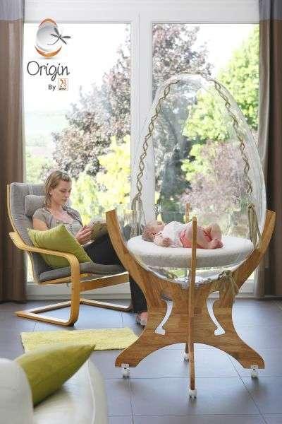 Parmi les inventions du Concours Lépine : un berceau en plexiglas pour mieux surveiller le bébé. © Concours Lépine 2012