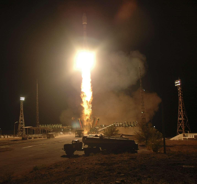 Lancement, en octobre 2006, de Metop, premier satellite européen de météorologie polaire depuis le site de Baïkonour. © Esa/S. Corvaja