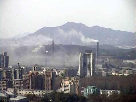 Zone industrielle à Pyongyang (Chine). Crédit : Yangguizi