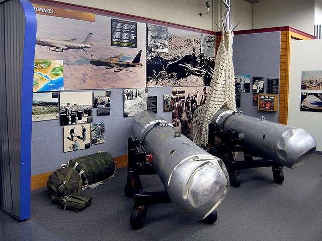 Les quatre bombes H de l'incident nucléaire de Palomares ont été retrouvées. Ici, les deux bombes H récupérées à Palomares et en Méditerranée (après 80 jours de recherche). © Marcin Wichary CC by 2.0